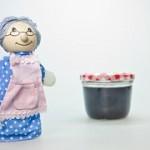 おばあちゃんとかご